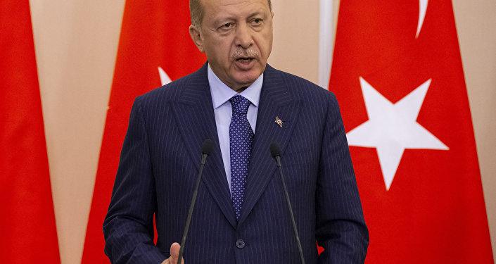 رئيس تركيا رجب طيب أردوغان خلا مؤتمر صحفي مع نظيره الروسي فلاديمير بوتين في سوتشي، روسيا 17 سبتمبر/ أيلول 2018