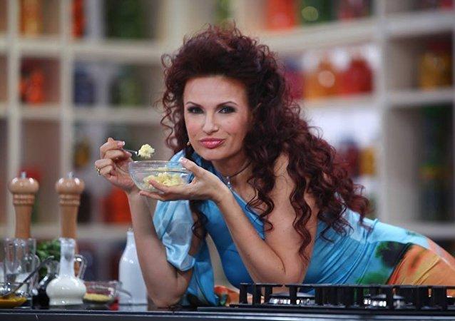 الممثلة الروسية إيفلينا بليدانس