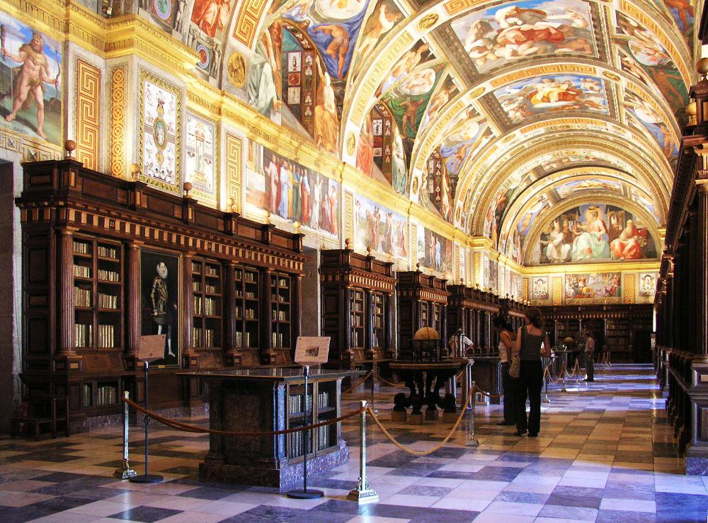 المكتبة الملكية لدير سان لورينزو دي الإسكوريال  في إسبانيا