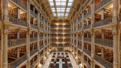 مكتبة جورج بيبودي في بالتيمور، الولايات المتحدة