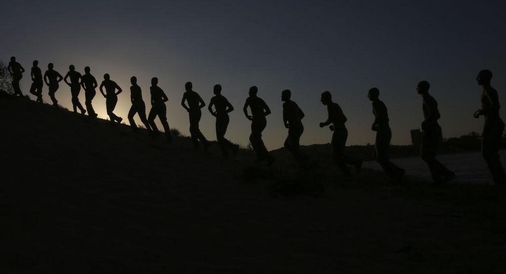 تدريب عسكري لطلاب كلية الشرطة الفلسطينية الرباط في خان يونس، قطاع غزة 23 سبتمبر/ أيلول 2018
