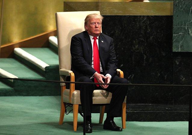 ترامب قبل بدء كلمته في الجمعية العامة للأمم المتحدة 73