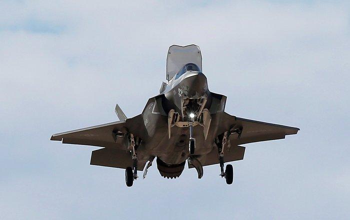 """بريطانيا قد تفاجئ أمريكا بمقاتلة شبحية أقوى من """"إف 35″… فيديو"""