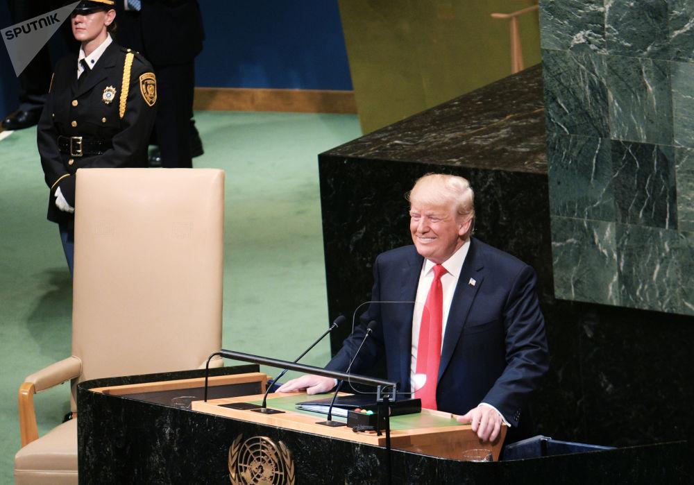 الرئيس الأمريكي دونالد ترامب خلال إلقاء كلمته أمام الجمعية العامة للأمم المتحدة في جلستها الـ 73