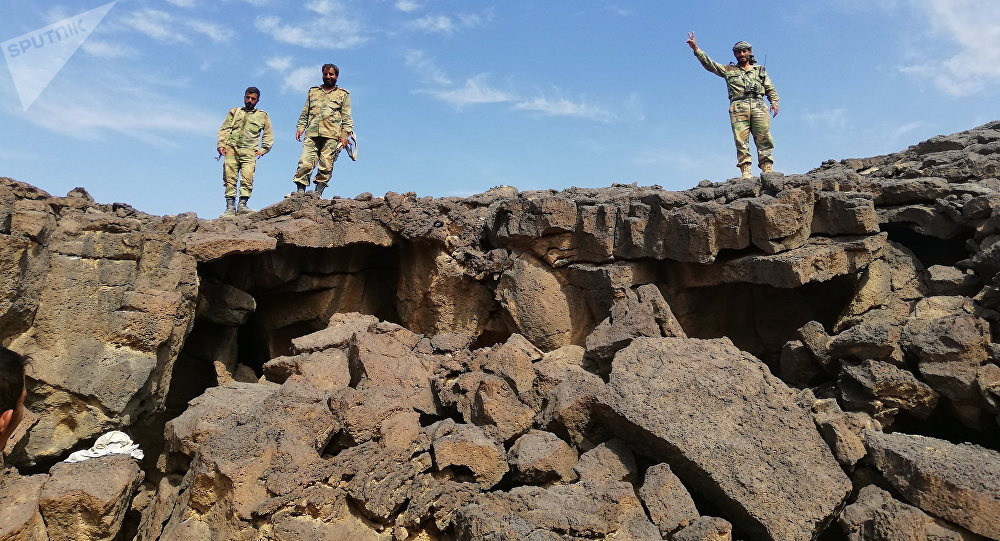 ماراتون جز اللحى ينطلق...الجيش السوري يقتحم تلول الصفا والدواعش ينزعون أسلحتهم ولحاهم