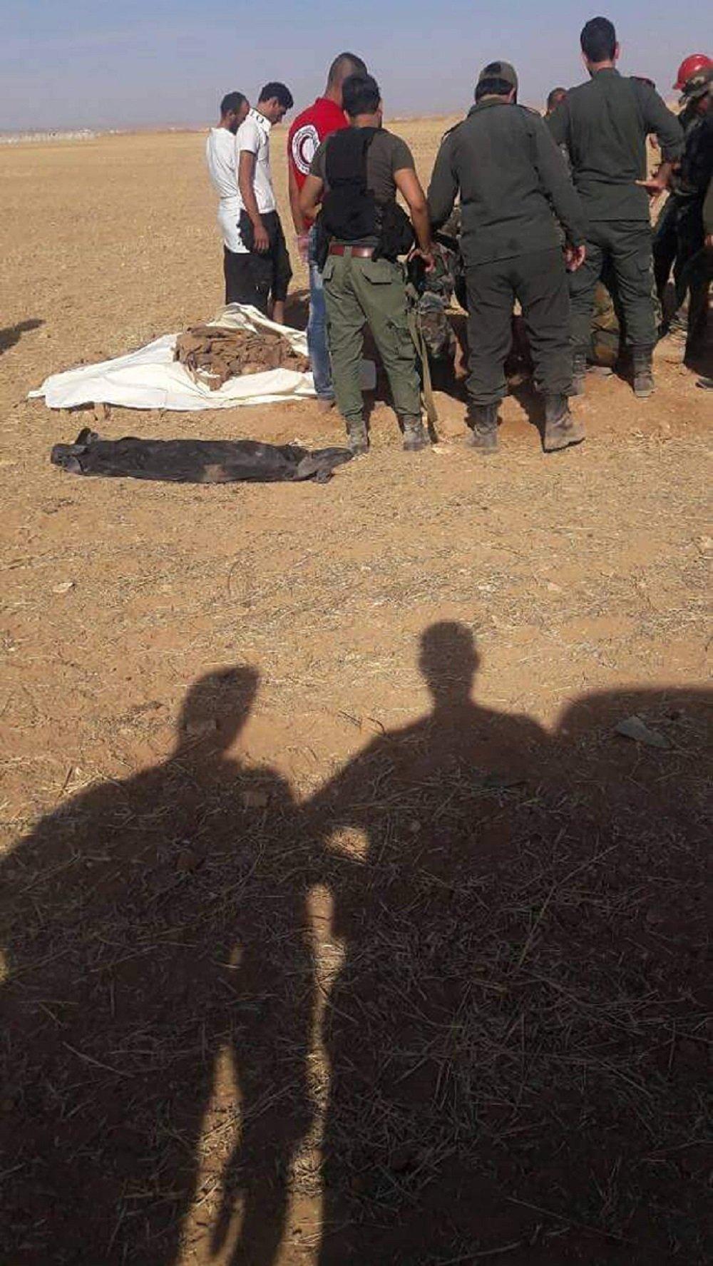 العثور على مقابر جماعية في أبو الظهور شرق إدلب