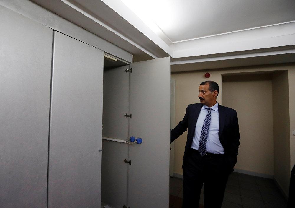 القنصل العام للمملكة العربية السعودية محمد العتيبي يقود جولة داخل القنصلية السعودية في إسطنبول