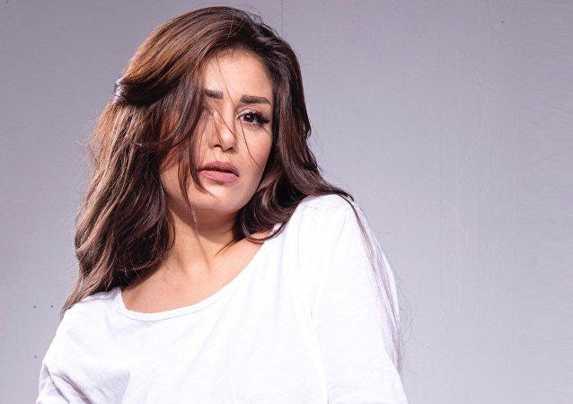 الممثلة المصرية منة فضالي