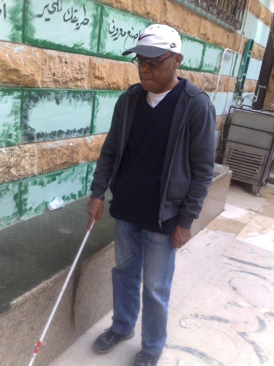 محمد سيد الشعراوي أول مدير حسابات كفيف في العالم