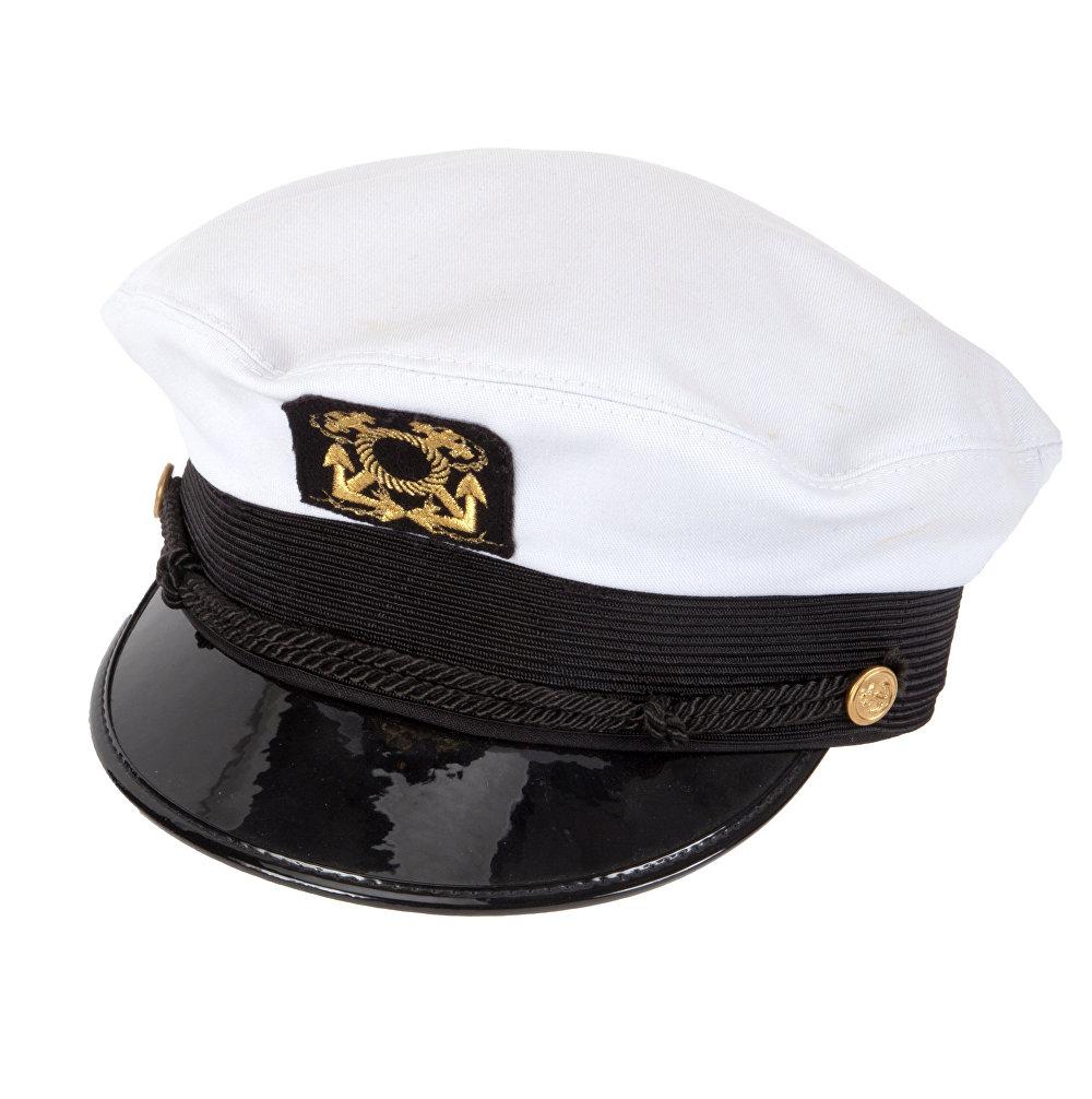 قبعة القبطان البيضاء الخاصة بمؤسس مجلة بلاي بوي الإباحية الراحل هيو هفنر في مزاد في شهر نوفمبر/تشرين الثاني 2018