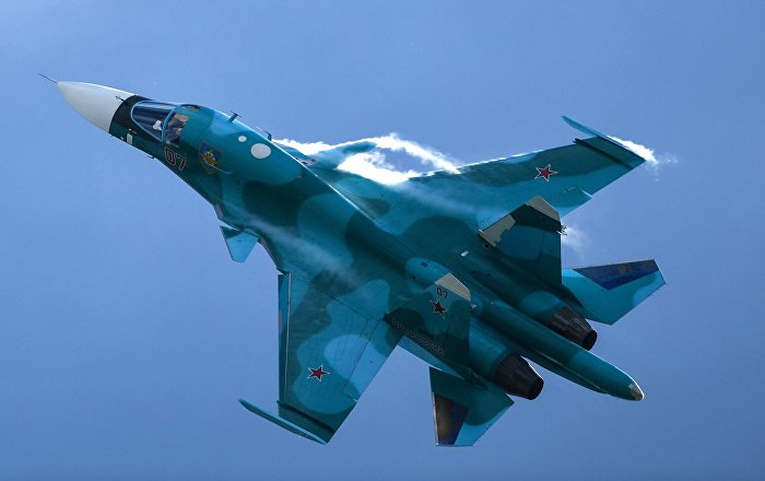 """""""سو-34"""" تتزود بالوقود فوق مقاطعة روستوف... فيديو"""