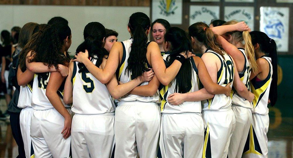 فتيات يلعبن كرة السلة (صورة تعبيرية)