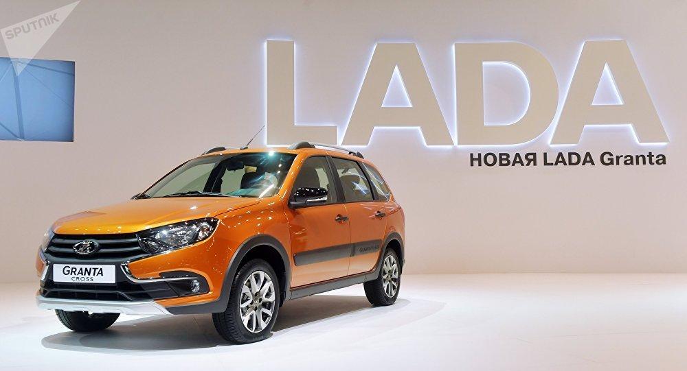 سيارة لادا غرانتا