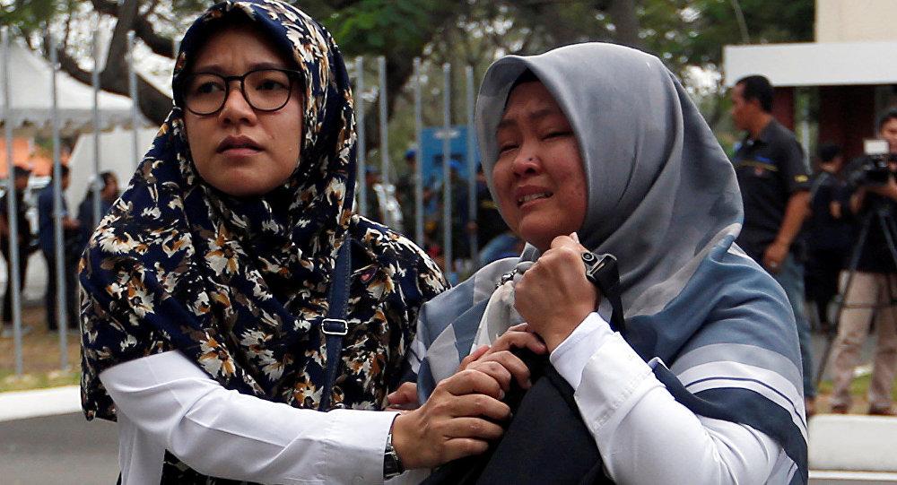 عائلة أحد ضحايا الطائرة الإندونيسية
