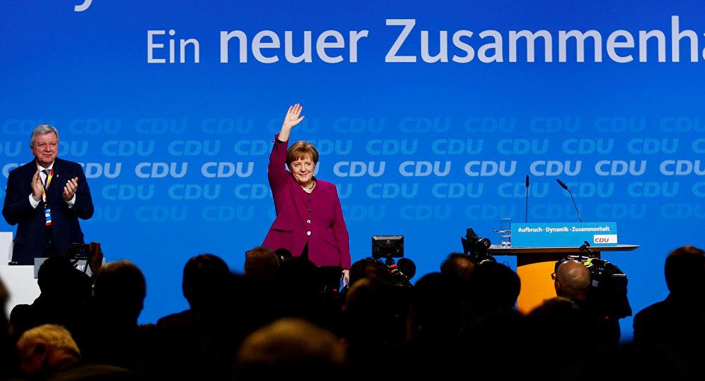 المستشارة الألمانية أنجيلا ميركل بعد إلقاء كلمتها أمام حزب الاتحاد المسيحي الديموقراطي في برلين، ألمانيا 29 أكتوبر/ تشرين الأول 2018