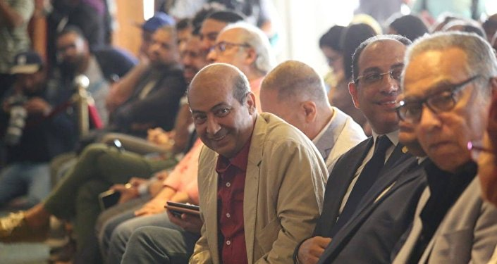 """الناقد طارق الشناوي: شويكار """"الكوميديانة الجميلة الوحيدة"""" وسمير الإسكندراني """"مطرب حالة"""""""