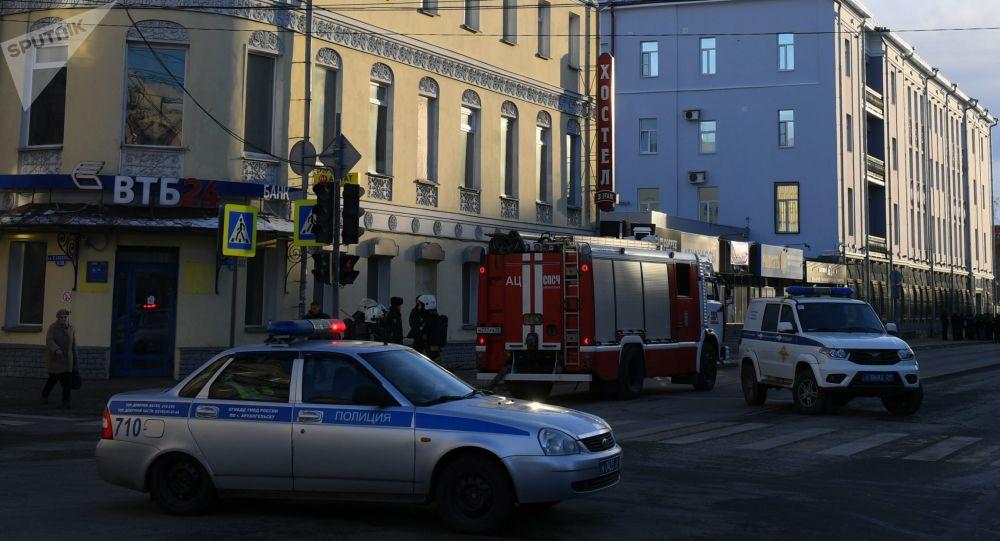 الشرطة عند موقع التفجير في أرخانغلسك