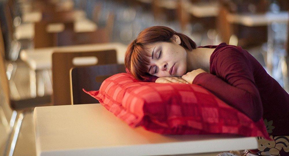 فوائد النوم أثناء العمل