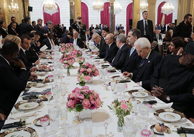 زيارة العمل التي قام بها الرئيس الروسي فلاديمير بوتين إلى فرنسا