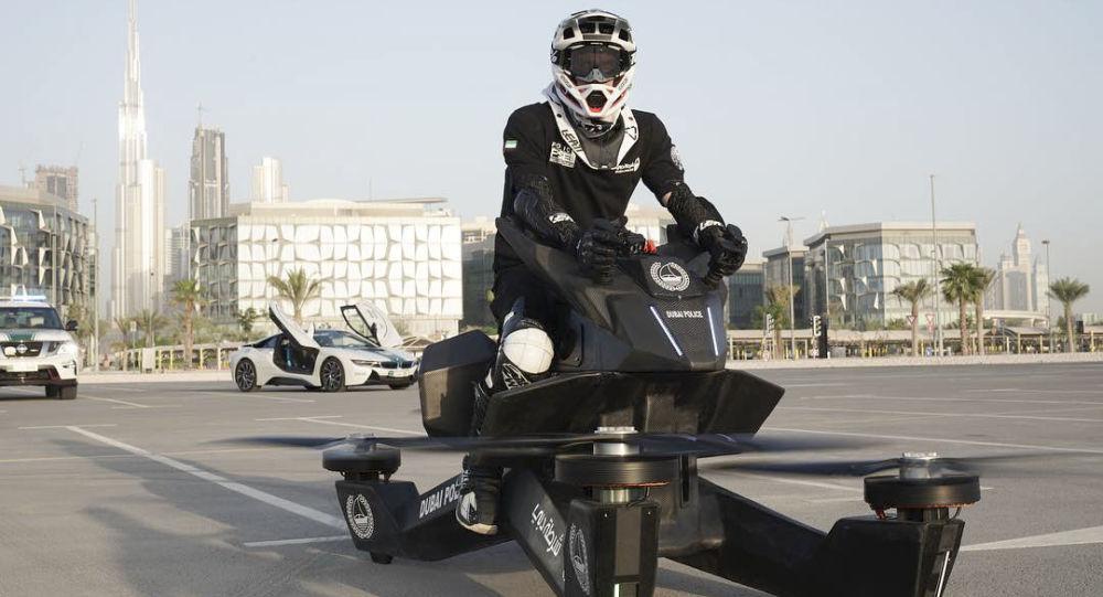 شرطة دبي تستخدم الدراجات الطائرة الروسية