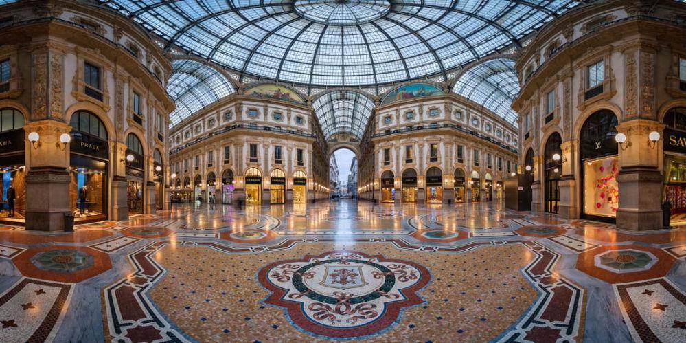 صورة بعنوان معرض فيتوريو إيمانويل لي في ميلانو، للمصور أندريه أوميليانتشوك، مرشحة لقائمة توب-50 في فئة هواة بيئة البناء