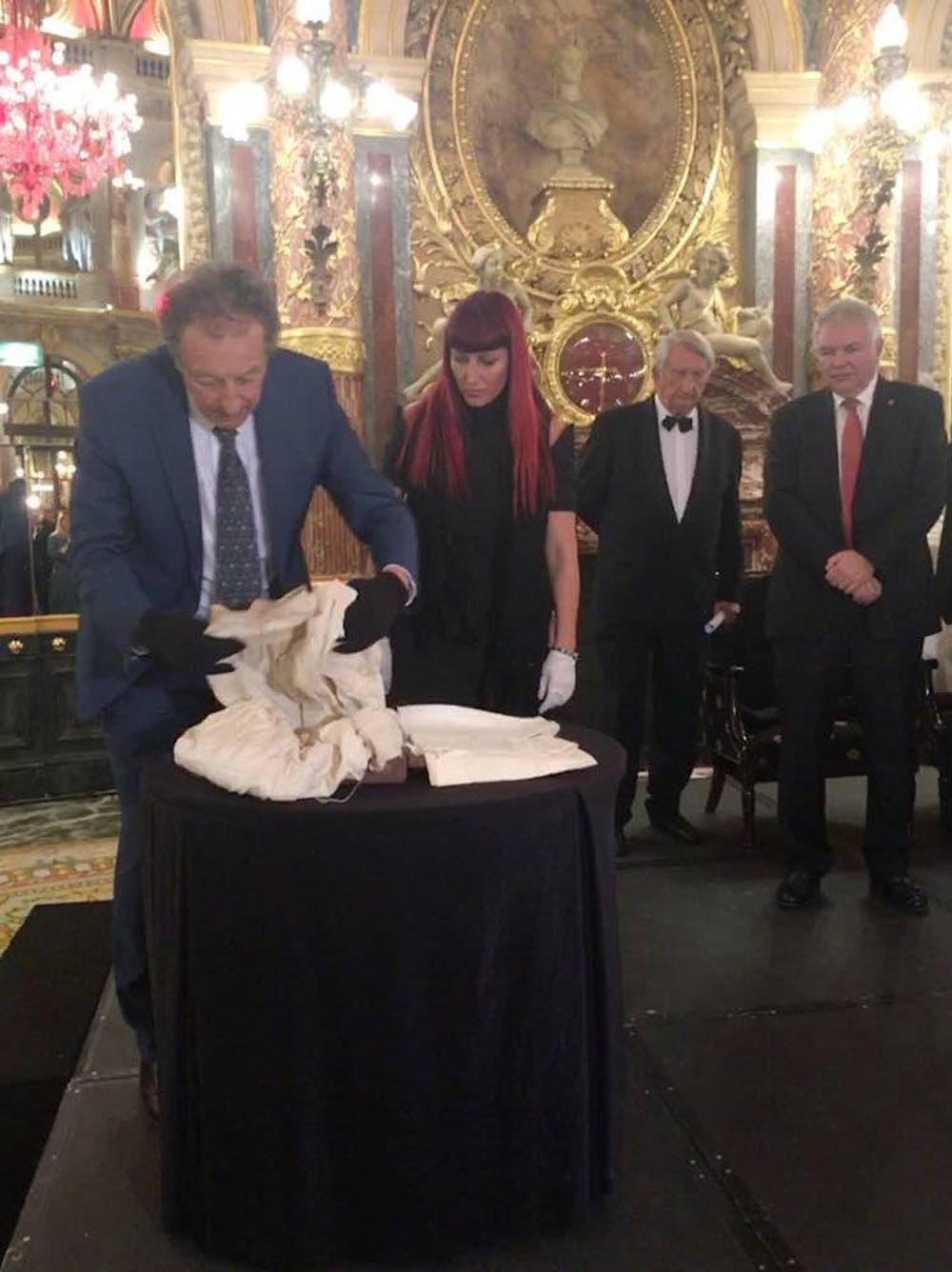 تسليم آثار الإمبراطور ألكسندر الثاني في نيس