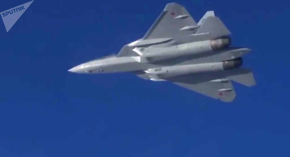 المقاتلات الحديثة من الجيل الخامس سو-57 في سماء سوريا
