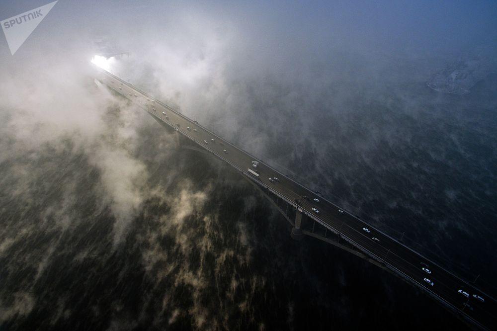 جسر كومونالني فوق نهر ينيسي