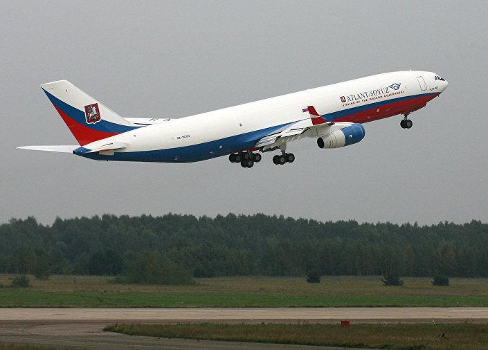 طائرة إيل-96-400تي