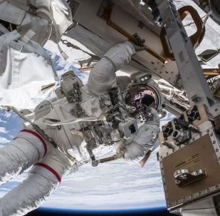 مركبة الفضاء الدولي - الفضاء - رواد الفضاء