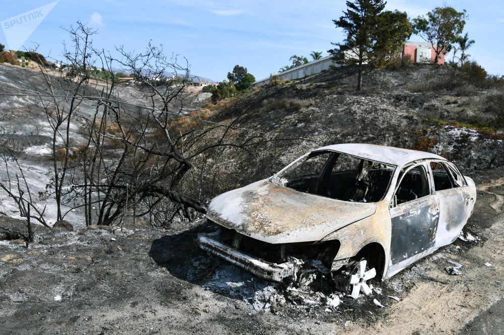 سيارة بعد الحريق في كاليفورنيا، نوفمبر/ تشرين الثاني 2018