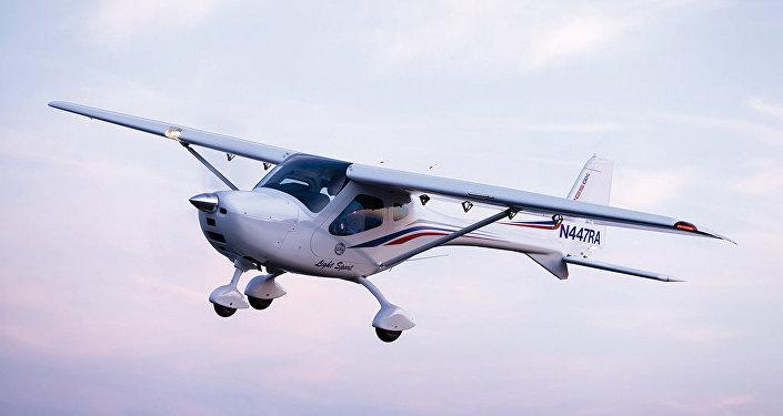 طائرة رياضية ذات مقعدين