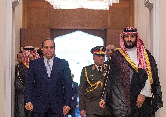 ولي العهد السعودي الأمير محمد بن سلمان مع الرئيس المصري عبد الفتاح السيسي في العاصمة المصرية القاهرة، 27 نوفمبر/تشرين الثاني 2018