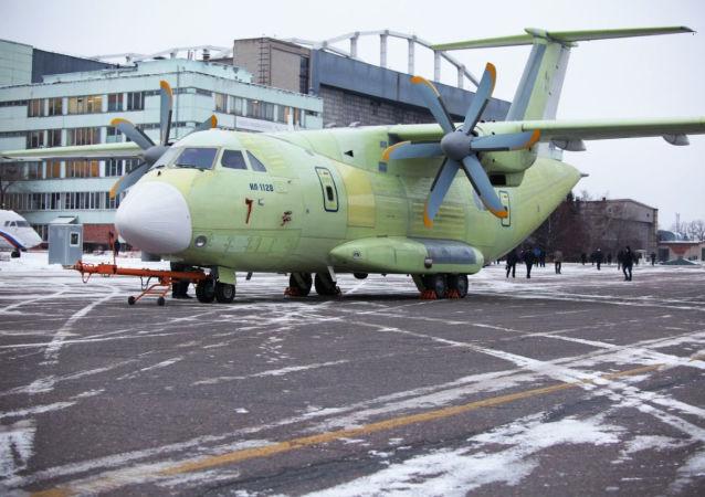 طائرة إيل-112في