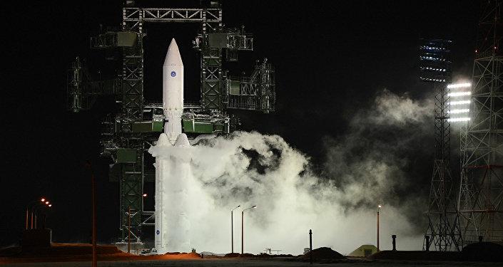 انطلاق صاروخ من قاعدة بليسيتسك الفضائية