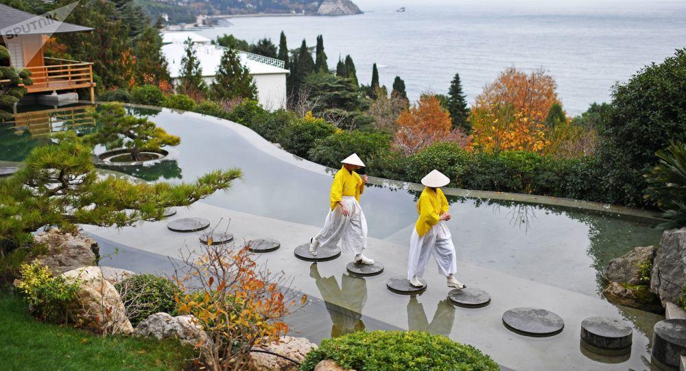 افتتاح حديقة يابانية على أراضي الحديقة أيفوزوفسكويه في القرم