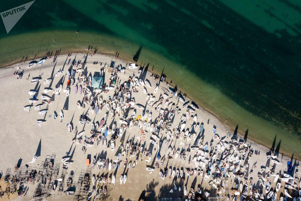 مسابقة المراكب الشراعية ريغاتا الـ 28 من نوعها في مضيق غيليندجيك، روسيا