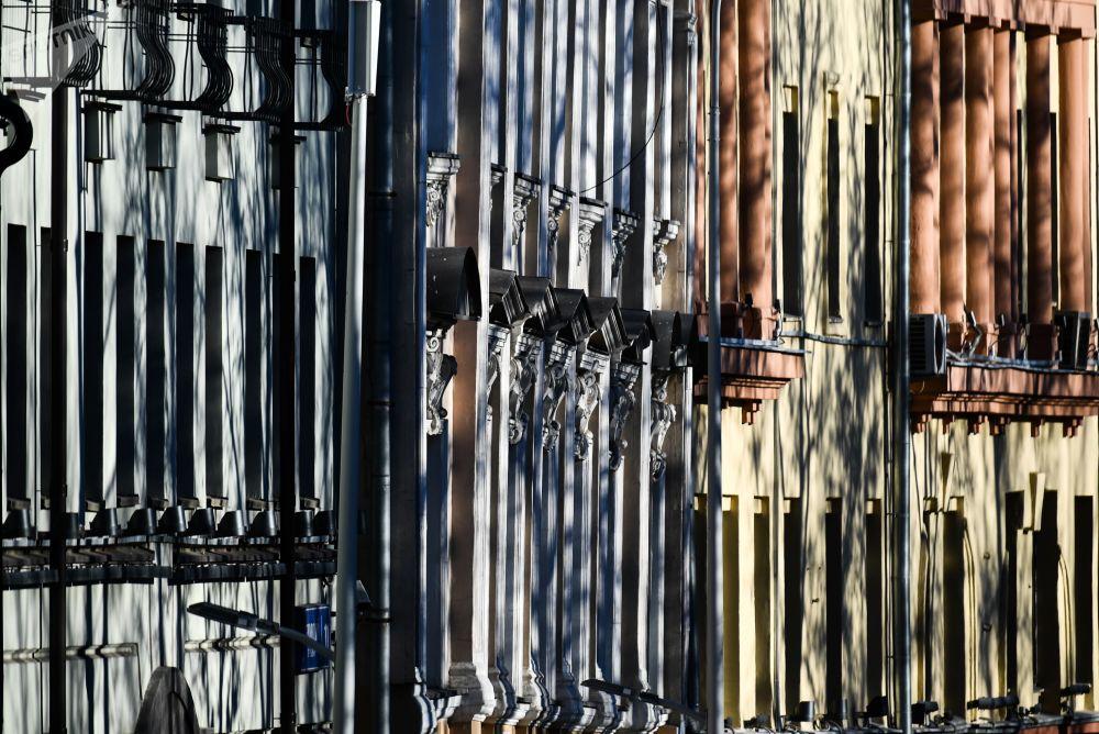 واجهات للمنازل في شارع بولفارنويه في موسكو