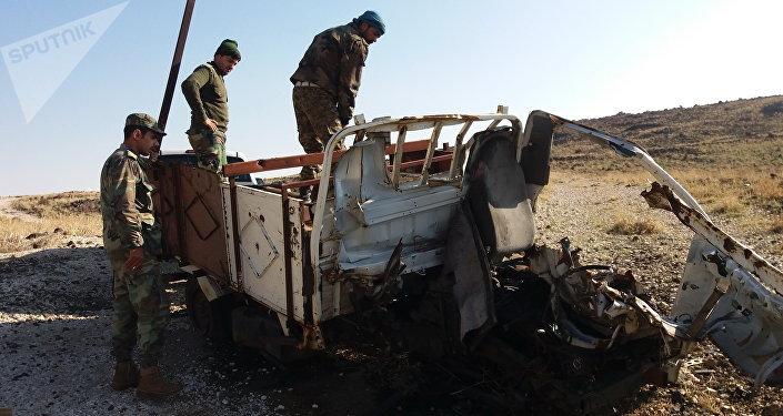 الجيش السوري يفجر سيارة مفخخة قرب الجولان المحتل тротил