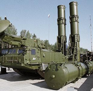 منظومة الدفاع الجوي إس-300في