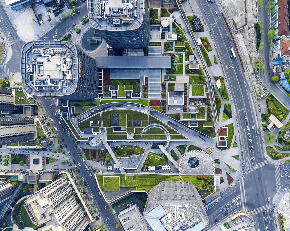 مشروع معماري  لمركز تجاري Shanghai Greenland Center في شنغهاي، الذي فاز في فئة المشروع الفائز لمباني التسوق المكتمل
