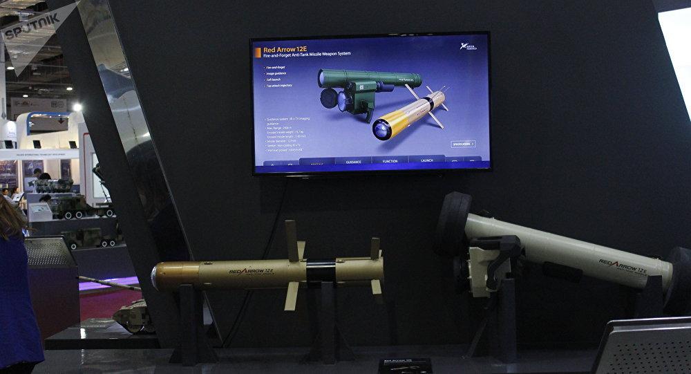 صاروخ السهم الأحمر الصيني المضاد للدبابات في إيديكس 2018
