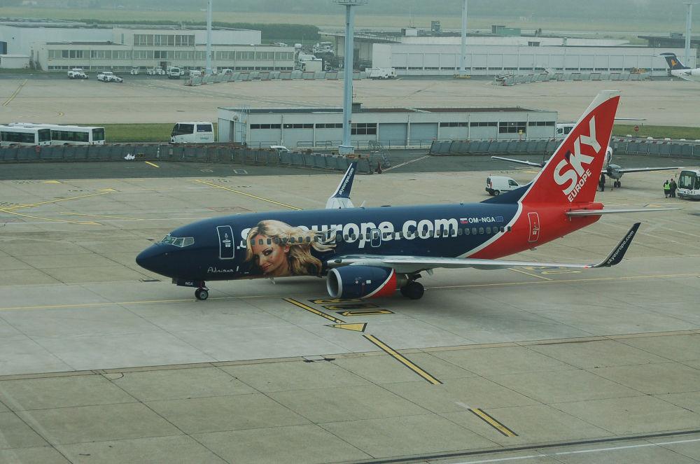 طائرة لشركة الطيران SkyEurope السلوفاكية
