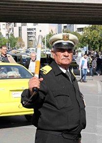 أقدم شرطي مرور بالعالم في أقدم مدينة بالتاريخ