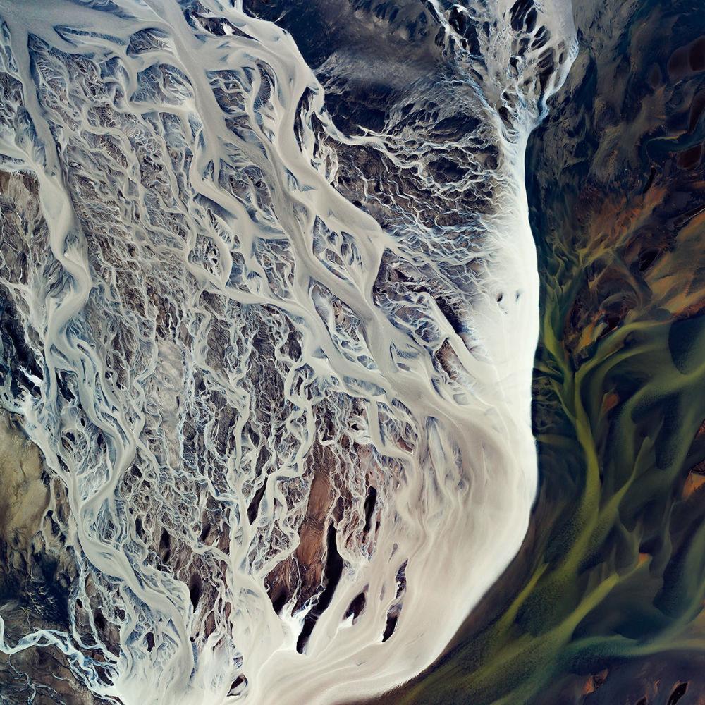 شرايين نهر غلاسيال في المنطقة الجنوبية لآيسلندا