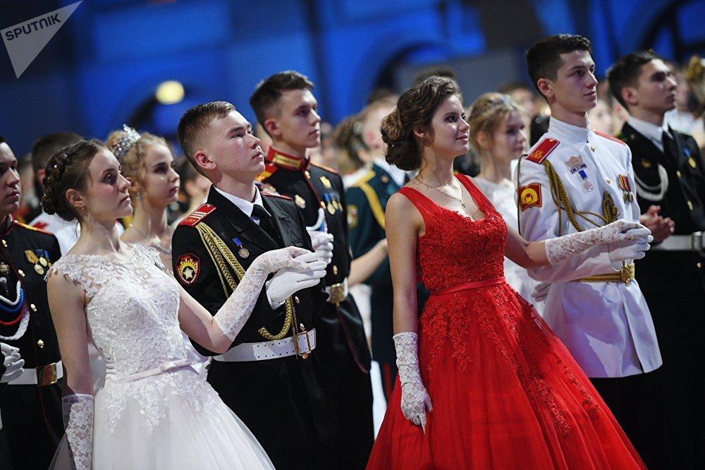 حفل الكرملين الدولي للرقص - لتلامذة معهد سوفوروف العسكري