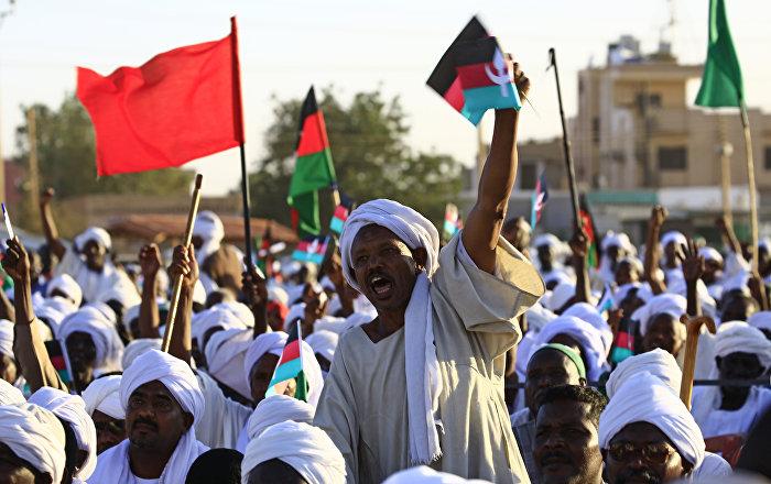 القوى الثورية تصدر بيانا جديدا للسودانيين يكذب المجلس العسكري في عدة نقاط