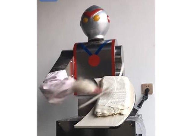 روبوت يصنع الطعام