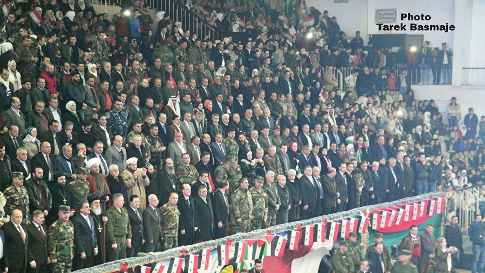 جانب من الحضور الرسمي في صالة الأسد بحلب