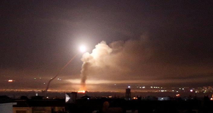 إطلاق نار صاروخي تمت مشاهدة في دمشق 10 مايو 2018